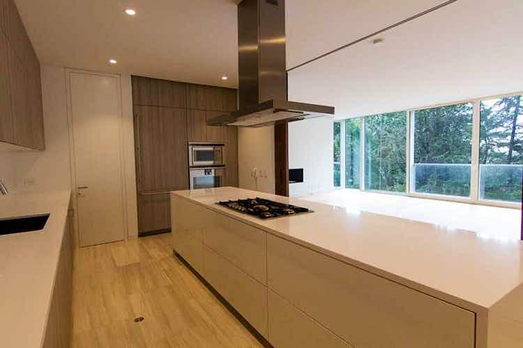 Portada Apartamento en venta en El Refugio de cuatro habitaciones