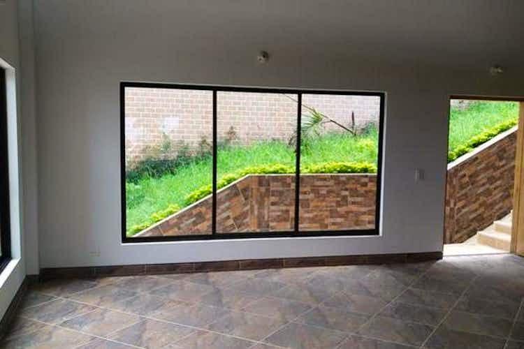 Portada Casa en venta en Loma del Escobero, 350mt de tres niveles.