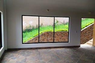 Casa en venta en Loma del Escobero, 350mt de tres niveles.