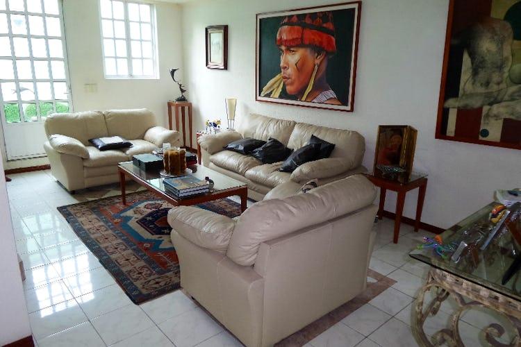 Portada Casa en venta en Del Valle Norte 420 m2 con jardín
