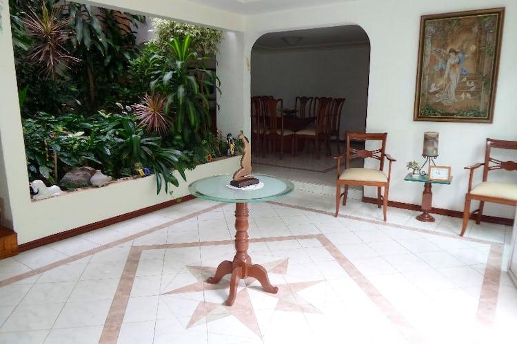 Foto 4 de Casa en venta en Del Valle Norte 420 m2 con jardín