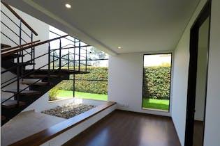 Casa en venta en El Canelon de 751mts, dos niveles