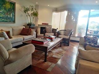 Una sala de estar llena de muebles y una gran ventana en Edificio Terrazas de Niza