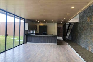 Casa en venta en Alto de Las Palmas Indiana, 1644mt de dos niveles.