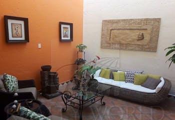 Casa en venta en San Lucas Xochimanca con acceso a Jardín