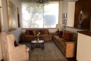 Casa en venta en Rincón del Pedregal de 379mts, tres niveles