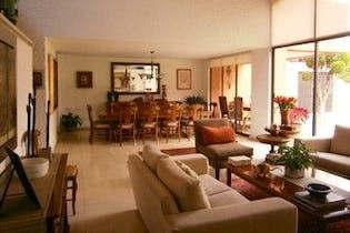 Casa en venta en San Jerónimo Lídice de 553mts, dos niveles
