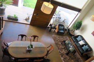 Casa en venta en La Herradura de 600mts, tres niveles