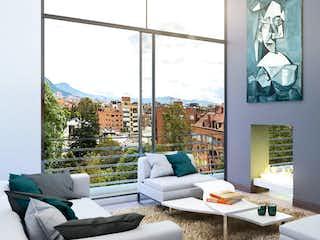 Una sala de estar llena de muebles y una ventana en De Cambil 124