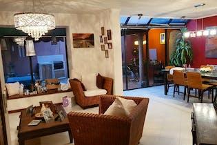 Casa en venta en El Mirador de 180mts, dos niveles