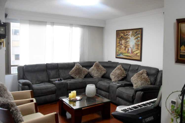 Portada Apartamento en venta, en  La Colina, de 3 habitaciones