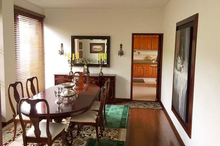 Portada Casa en venta en Chia de 470mts, dos niveles