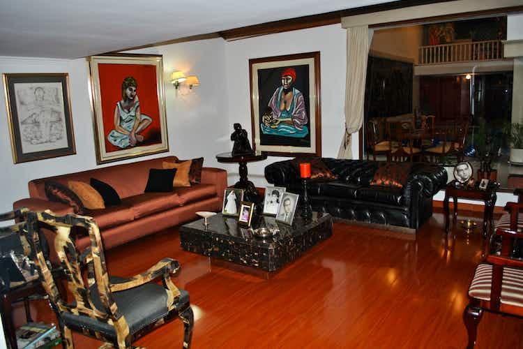 Portada Casa en venta en Bella Suiza de 387mts, tres niveles
