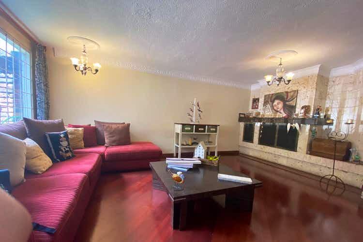 Portada Casa en venta en Santa Paula  de  3 habitaciones