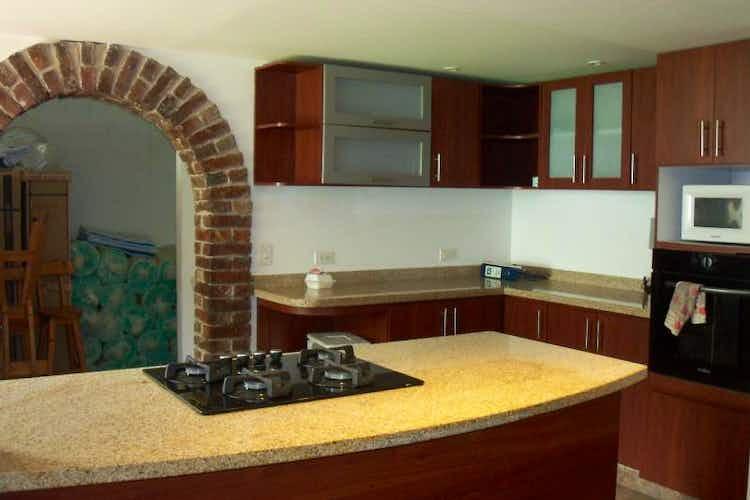 Portada Casa en venta en Prado Veraniego, de 225mtrs2
