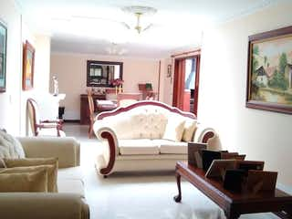 Una sala de estar llena de muebles y una ventana en Apartamento en venta en  Contador de  3 habitaciones