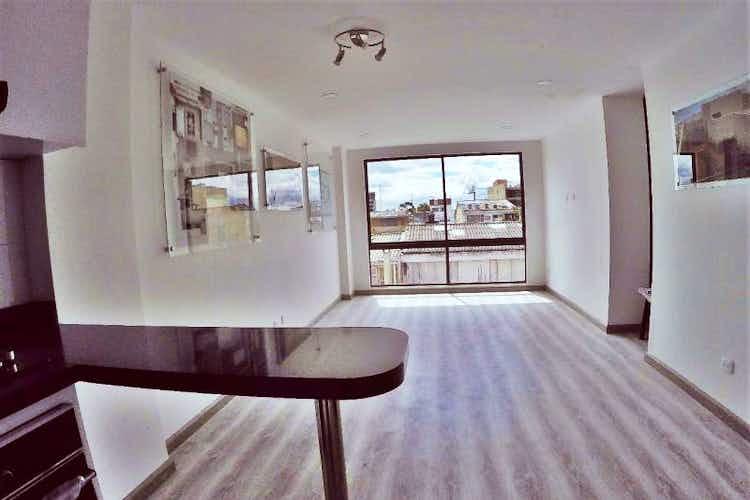 Portada Apartamento en venta en Modelo de tres habitaciones