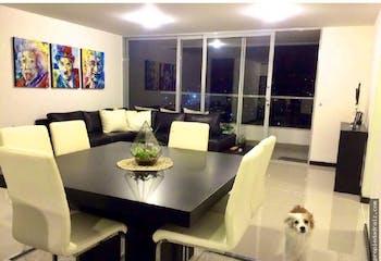 Apartamento en venta en Loma De Las Brujas de 3 habitaciones