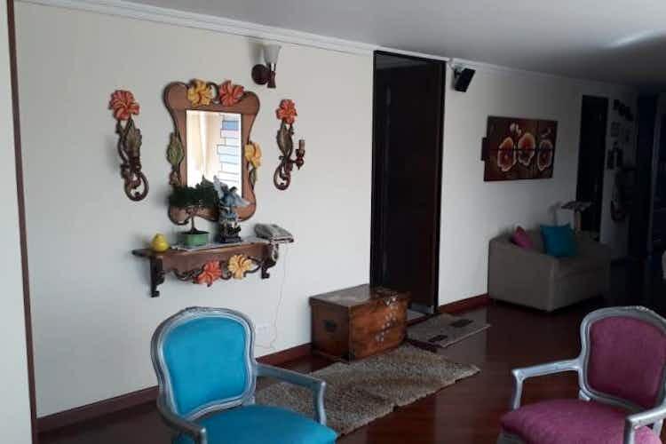 Portada Apartamento en venta en Morato de tres habitaciones