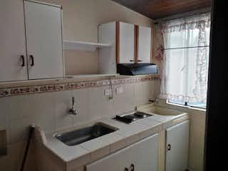 Una cocina con un fregadero y un horno de cocina en Apartamento en venta en Sabana de Tibabuyes, de 50,31mtrs2