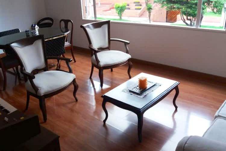 Portada Apartamento en venta en Puente Largo de tres habitaciones