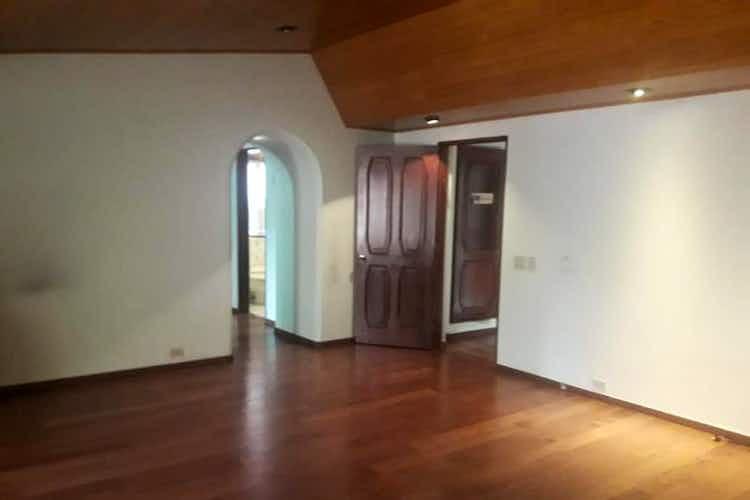 Portada Casa en venta en Chico de 5 habitaciones