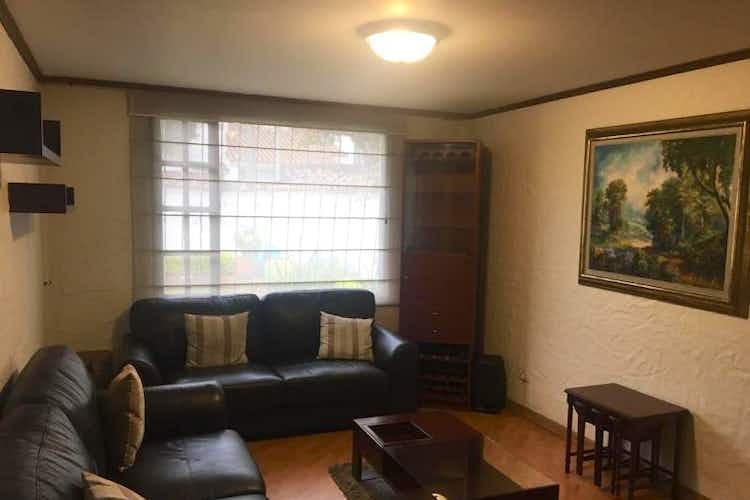 Portada Casa en venta en  Pontevedra de 4 habitaciones