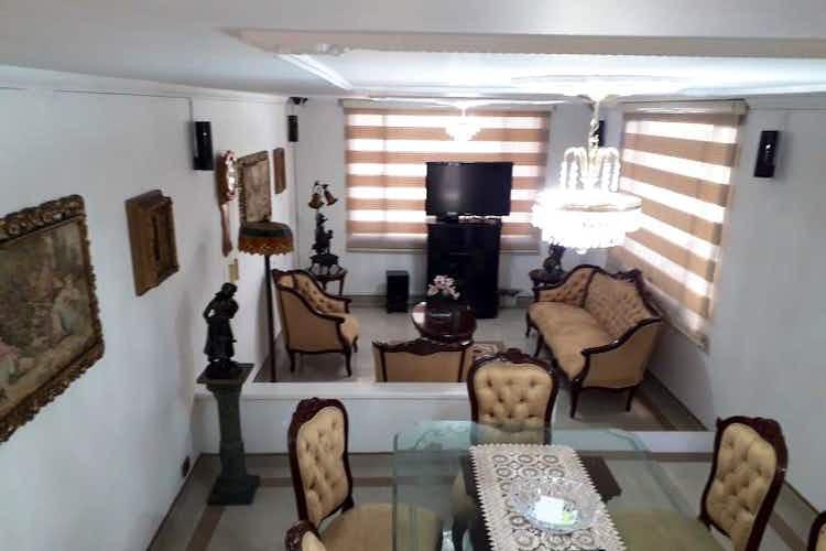 Portada Casa en venta en Mandalay, 207mt de dos niveles.