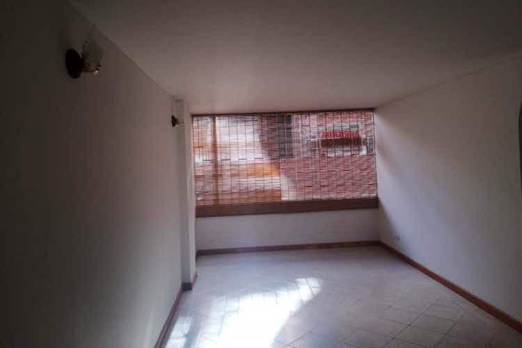 Portada Apartamento en venta en Caobos Salazar de tres habitaciones