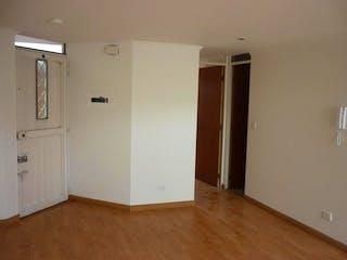 Un refrigerador congelador blanco sentado dentro de una cocina en Apartamento en venta en Santa Rosita, de 53,22mtrs2