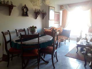 Una sala de estar llena de muebles y una mesa en Apartamento en venta en Iberia, de 68,15mtrs2