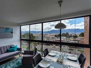Una sala de estar llena de muebles y una ventana en Allegro