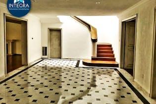 Casa en venta en Lomas de Chapultepec, 494mt de dos niveles.