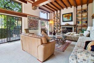 Casa en venta en Bosque de Chapultepec, de 631mtrs2