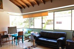 Casa en Las Lomas, Poblado - 210mt, tres alcobas, terraza