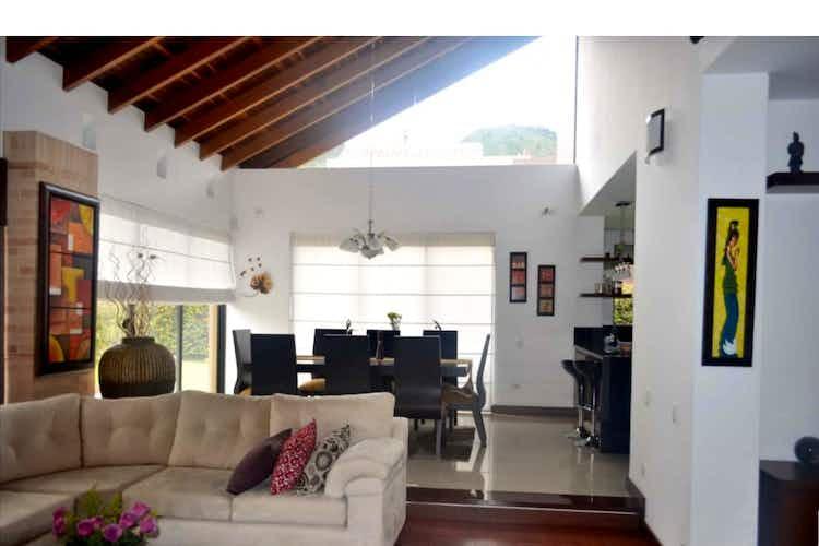 Portada Casa en venta en Chia de 900mts, dos niveles
