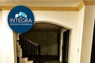 Casa en venta en Rincon Colonial, 256mt de tres niveles.