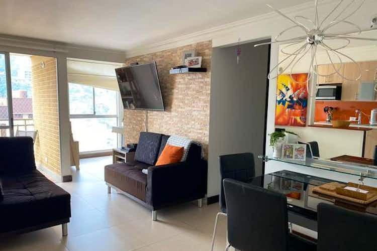 Portada Apartamento en venta en Loma de los Bernal de tres habitaciones