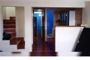 Casa en venta en Robledo de 4 hab. con Balcón...