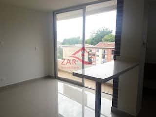 Una ventana que tiene un signo en ella en Edificio Abba