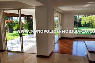 Casa en venta en Castropol de 6 habitaciones