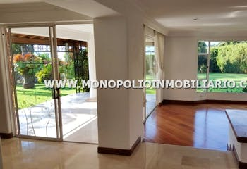 Casa en Castropol,el poblado, 1400 mts2-6 Habitaciones