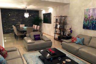 Casa en venta en Balcones De La Herradura de 320mts, dos niveles