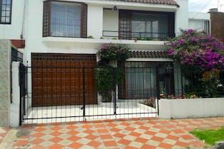 Casa en venta en Santa Cecilia de 265m² con Jardín...
