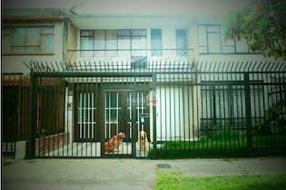 Casa en venta en Galerías de 4 hab.