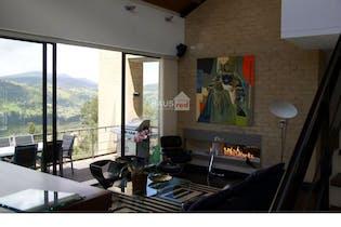 Casa de 386m2 en Arboretto, La Calera - con 3 parqueaderos