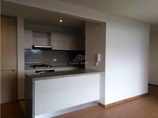 Una cocina con lavabo y microondas en Apartamento en venta en San Antonio Norte de tres habitaciones