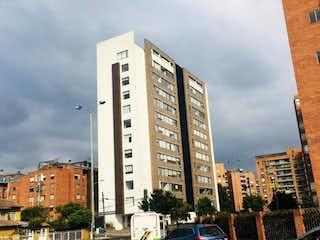 Un edificio alto sentado al lado de un edificio alto en Apartamento en venta en Carlos Lleras, de 93,31mtrs2