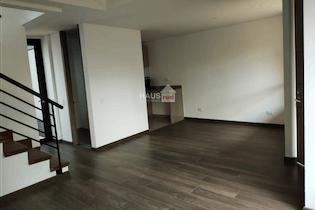Casa en Cota, con parqueadero doble cubierto