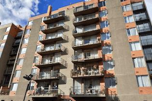 Apartamento en el Plan, Bogota - Esquinero, tres habitaciones más estudio, dos garajes